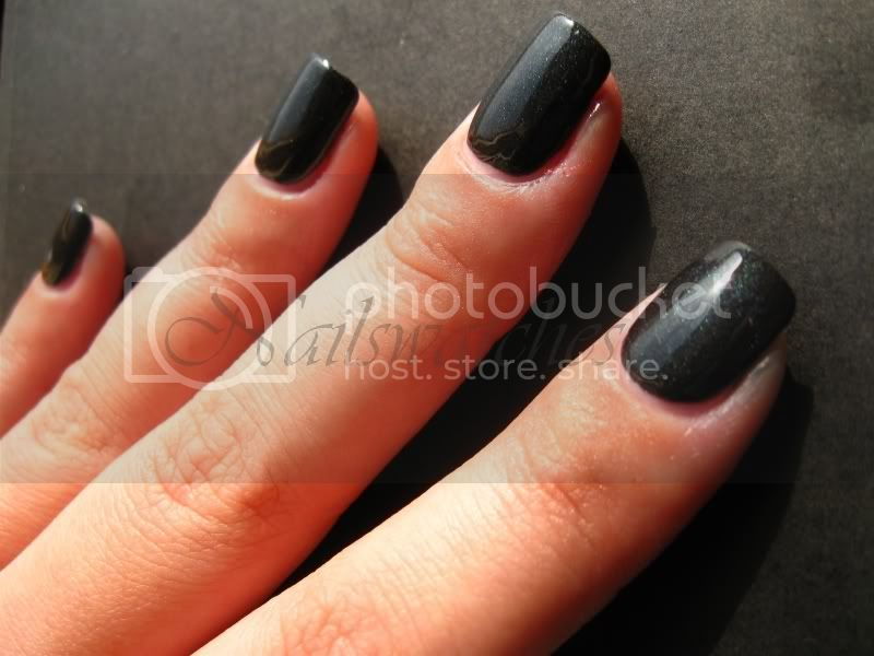 zoya dovima matte mat topcoat shiny black nail polish shimmer nails matte velvet collection 2009 nailswatches